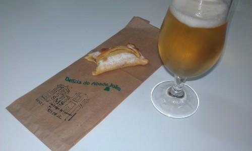 Delicia_do_Abade_Joao_com_cerveja